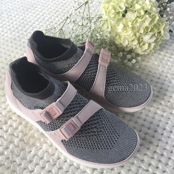 57d773878c951 Nike Sock Racer Ultra Flyknit Casual ShoesWomen s